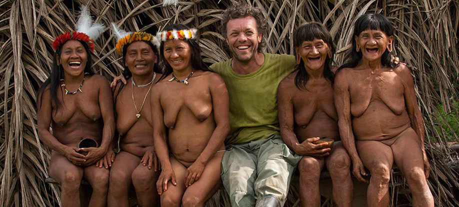 Pete Oxford with the Huaorani tribe
